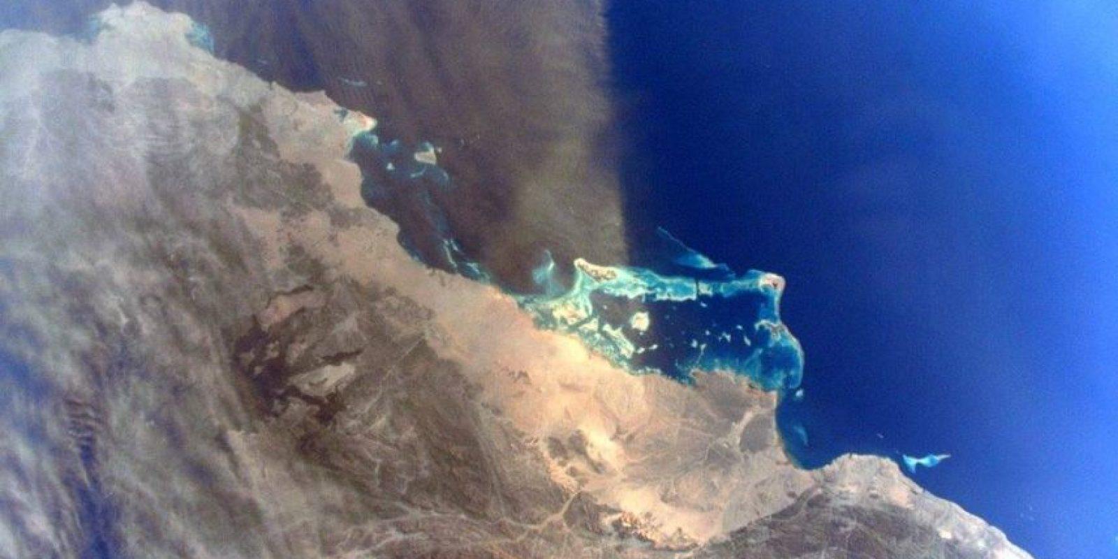 Tormenta de arena en el Mar Rojo Foto:Facebook.com/pages/NASA-Astronaut-Scott-Kelly