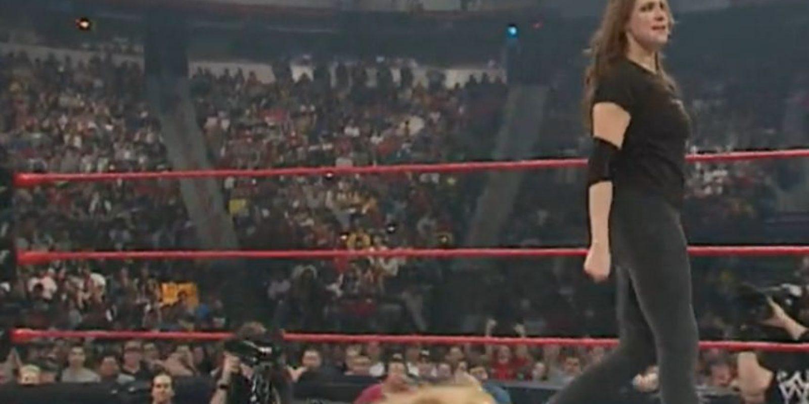 2001 Foto:WWE