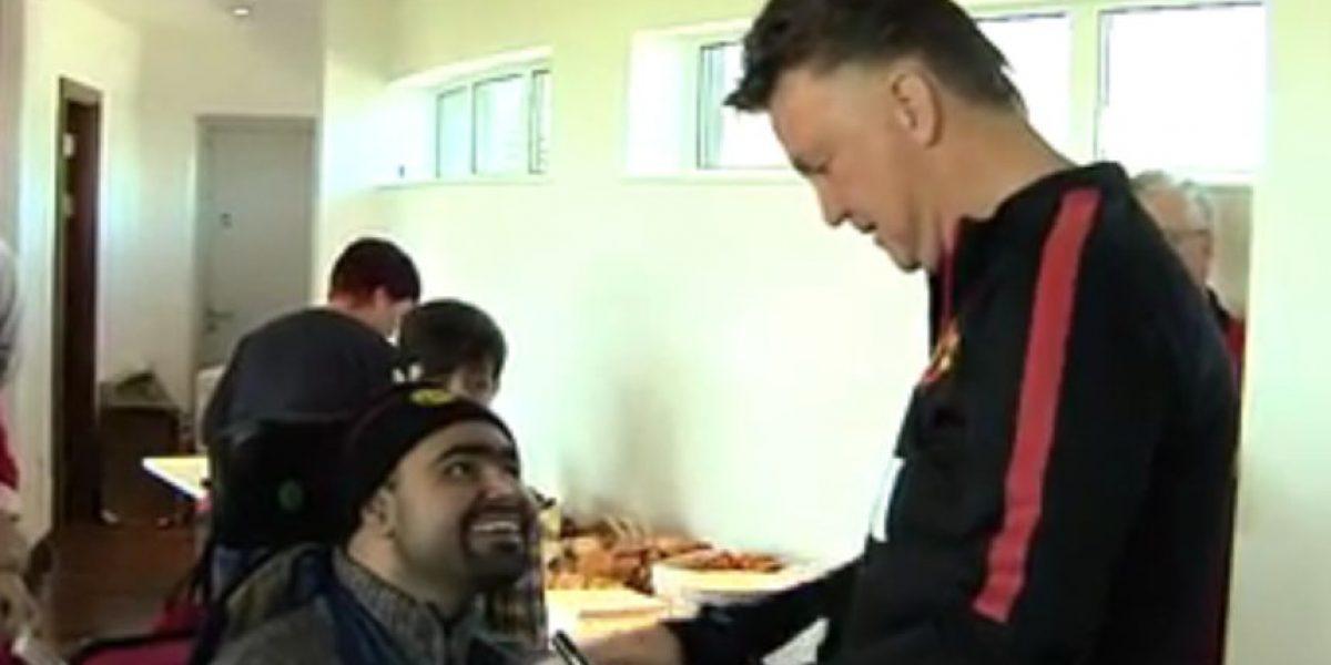 Hincha discapacitado le sugiere un colombiano a van Gaal