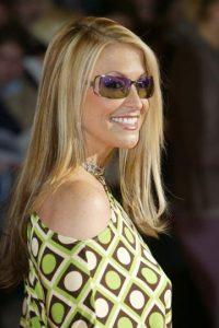 ¿Qué tal los anteojos de Anastasia? Lo peor es que siguen de moda. Foto:vía Getty Images