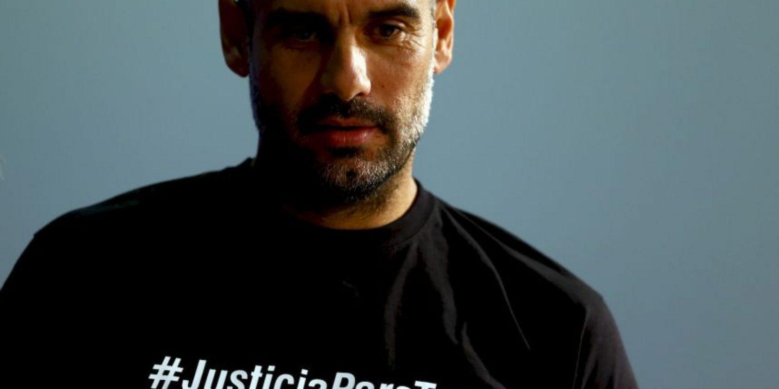 Pep Guardiola se unió a una campaña iniciada por Verónica Brunatti, esposa de un periodista que murió durante el Mundial de Brasil. Foto:AP