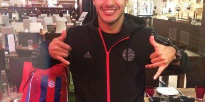 Thiago es español y juega como mediocampista. Su hermano Rafinha juega en el Barcelona. Foto:Vía instagram.com/thiago6
