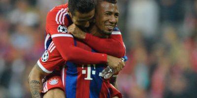 Jerome Boateng y Thiago Alcántara festejaron en el vestuario el pase de Bayern Munich a semifinales. Foto:Getty Images