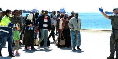 El Ministro del Interior de Italia, Angelino Alfano, pidió autorización para hundir los barcos antes de que salgan de libia. Foto:AFP