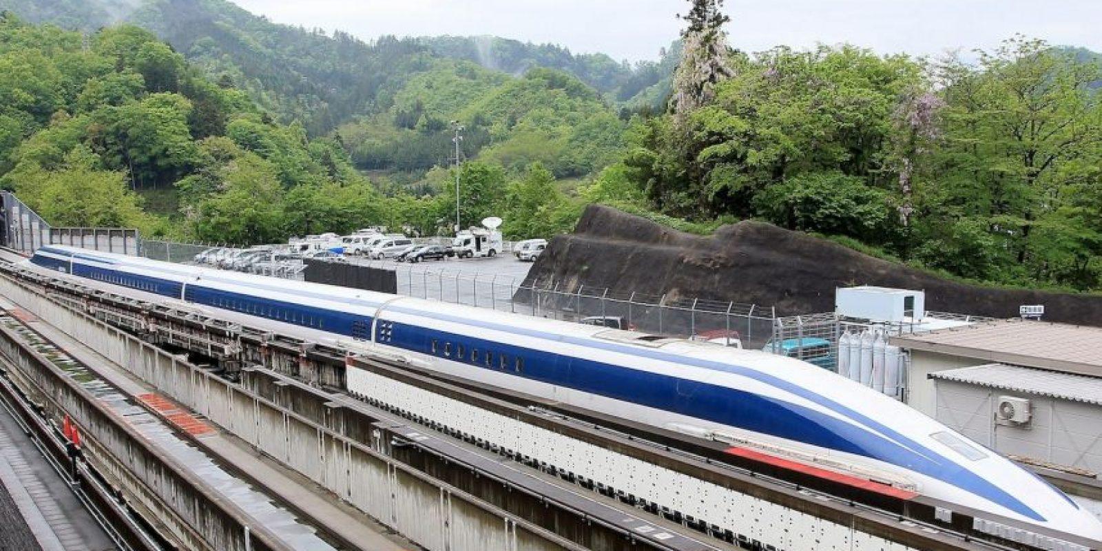 Para 2045, el transporte espera unir la capital con Osaka en apenas una hora y siete minutos, la mitad de lo actual. Foto:AFP