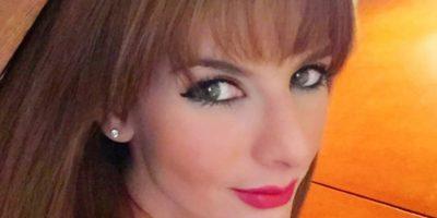 Carolina Cruz deleita a sus seguidores con labios rojos. Foto:Instagram Carolina Cruz