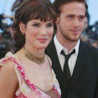 """Ryang Gosling y Sandra Bullock salieron por un año, de 2002 a 2003. Ella era 16 años mayor. Cuando él la dejó """"rompió su corazón"""", afirma la prensa. Foto:vía Getty Images"""