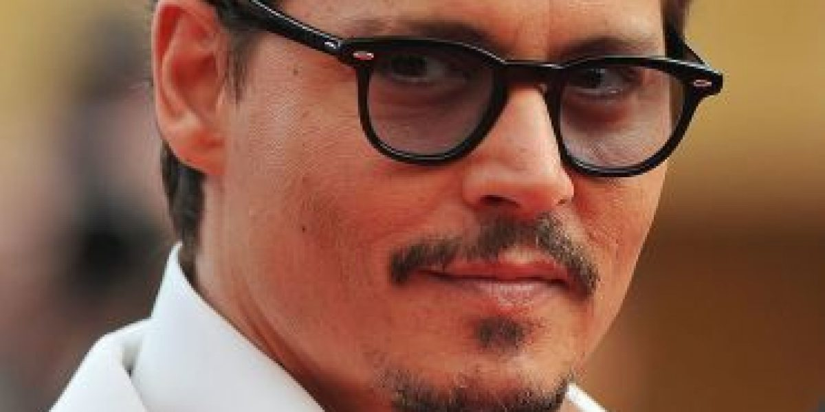 VIDEO: Johnny Depp cambia radicalmente su look para