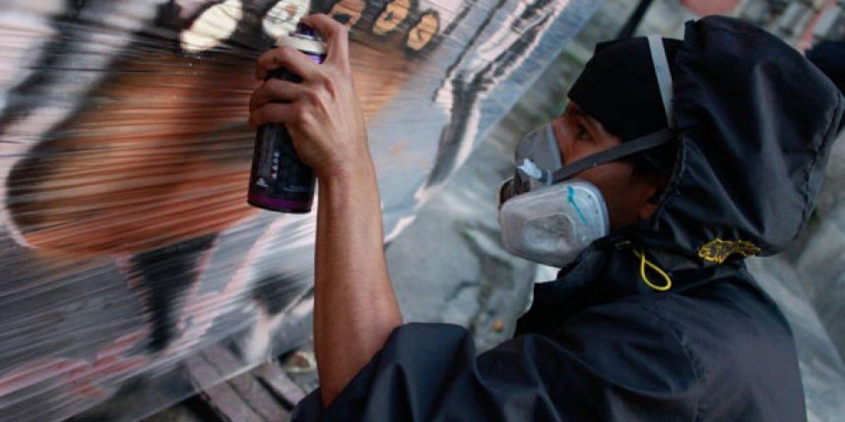 Con grafitis, los jóvenes se unen al llamado por la paz