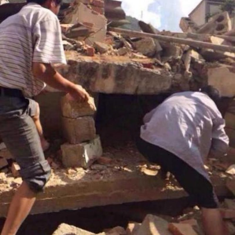 Terremoto de 2 de agosto en China. Hasta el momento se reportan cerca de 400 personas fallecidas y más de mil 800 heridos Foto:AFP
