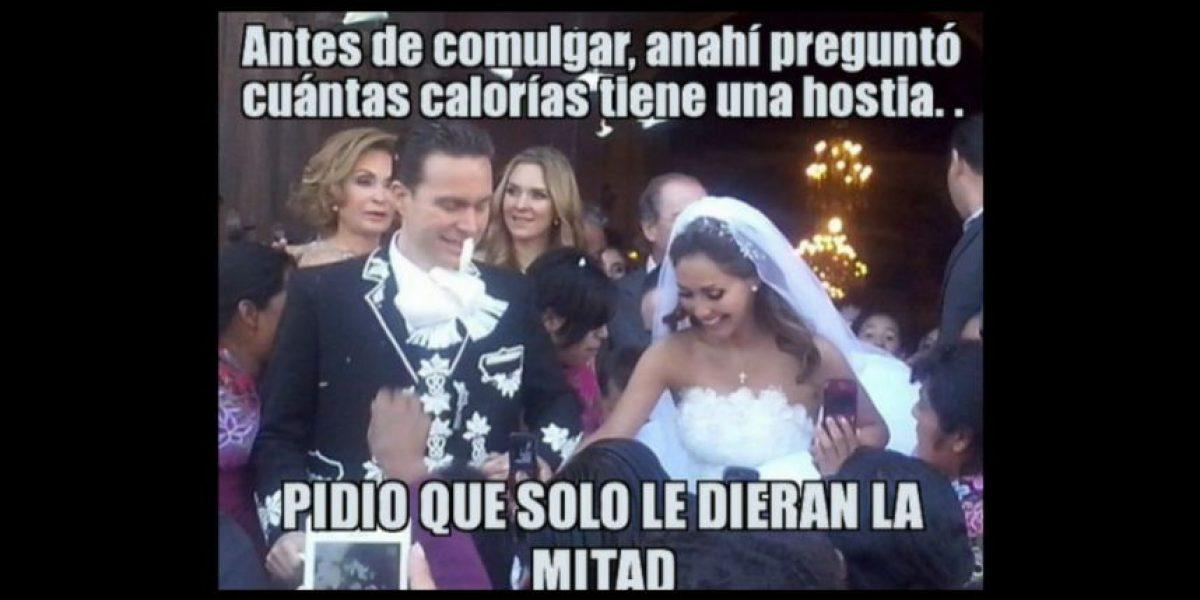 MEMES: Anahí no se salvó de las burlas por su boda