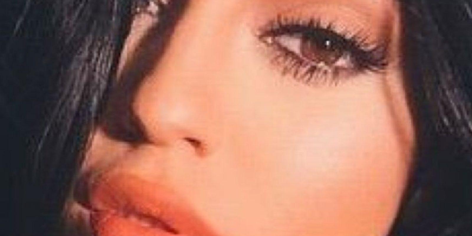 Ni siquiera Kylie Jenner aprobó la absurda tendencia de los adolescentes en la red: #KylieJennerChallenge. Ponerse botellas en los labios para tener su volumen. Foto:vía Instagram/Kylie Jenner
