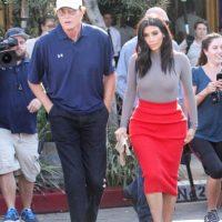 Bruce Jenner, el año pasado, con Kim Kardashian Foto:vía Getty Images