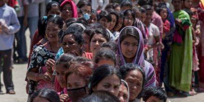 Dos días después del terremoto de 7.8 grados que azotó a Nepal, han resultado una gran cantidad de muertos. Foto:Getty Images