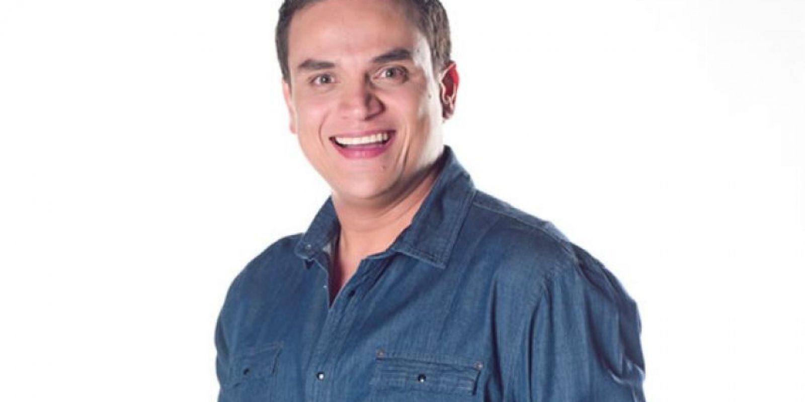 Silvestre Dangond. A través de su cuenta de Twitter el cantante de vallenato denunció ser víctima de repetidas amenazas contra él y su familia, por lo que hace tres años se vio obligado a abandonar el país. Foto:Cortesía Canal Caracol