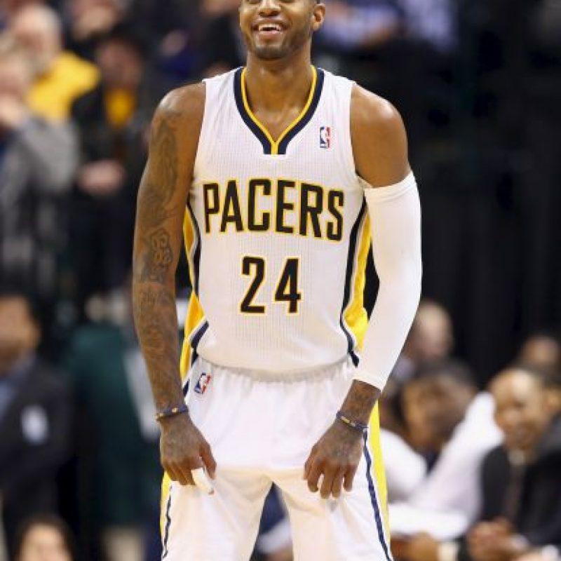 """El jugador de los Pacers apoya a """"Money"""" por la amistad que une a ambos. Cuando el basquetbolista se lesionó en 2014 y se perdió el mundial de la especialidad, Mayweather lo visitó en el hospital para darle ánimos. Foto:Getty Images"""