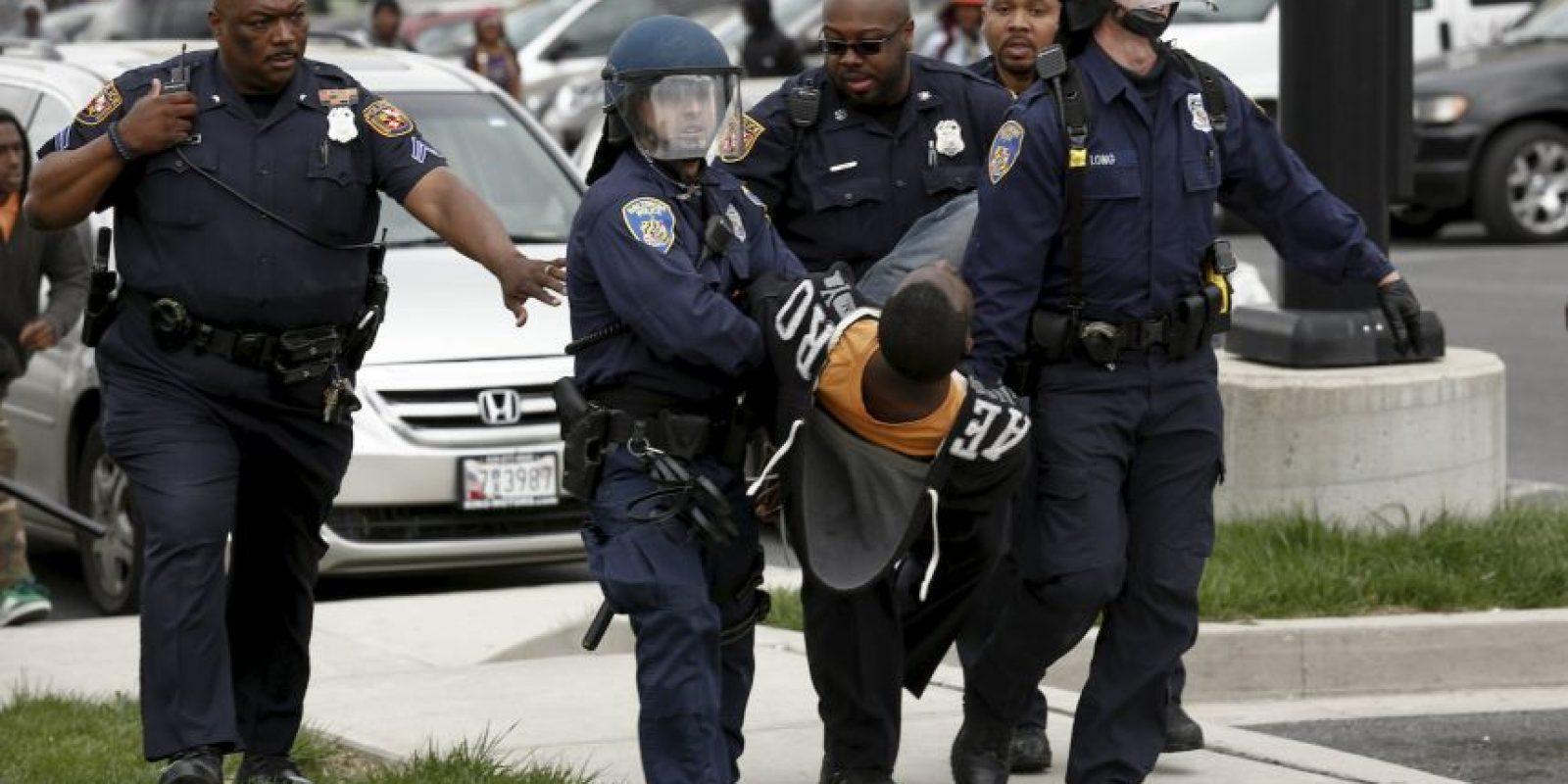 La muerte de Gray se produjo en un momento de gran tensión en el país entre los distintos cuerpos de Policía local y los miembros de la comunidad afroamericana, después de que durante los últimos meses hayan tenido lugar varios casos de abuso policial con resultados mortales. Foto:Getty Images
