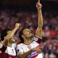 Antonio Puerta, exfutbolista del Sevilla, falleció el 28 de agosto de 2007 en el hospital. Una noche antes de su muerte, el jugador sufrió múltiples ataques cardiacos durante y después del partido de su equipo ante el Getafe. Foto:Getty Images