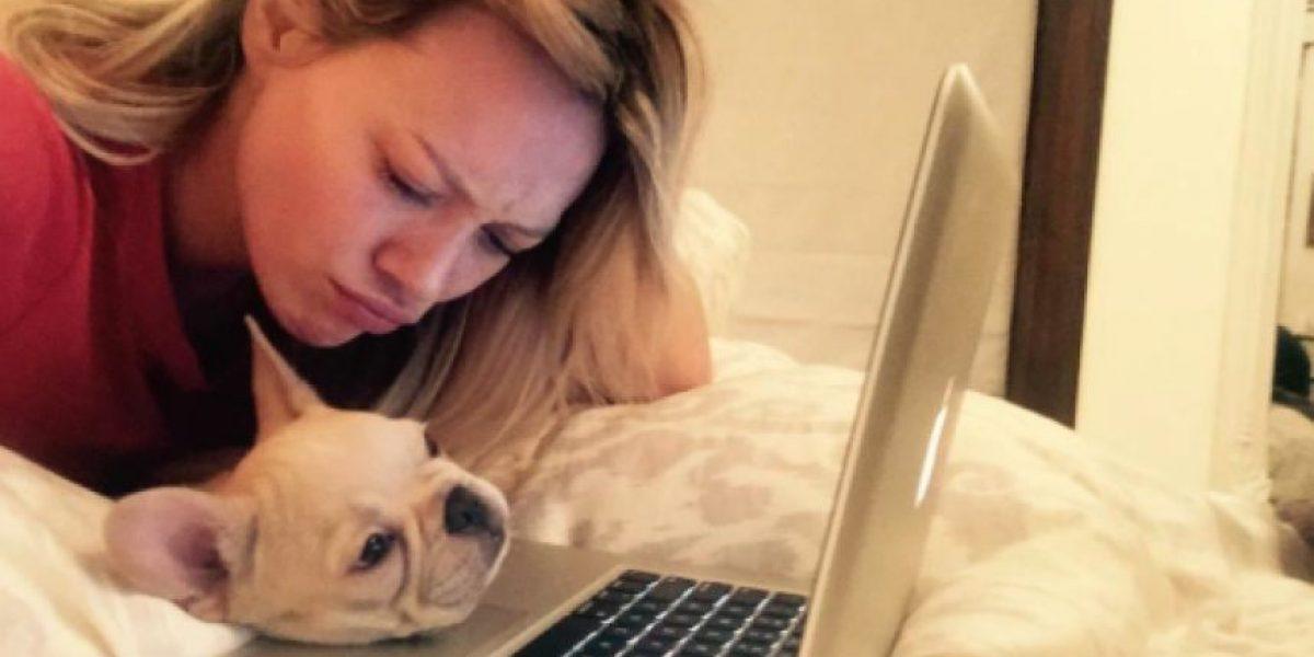 ¿Hilary Duff busca novio en Tinder?