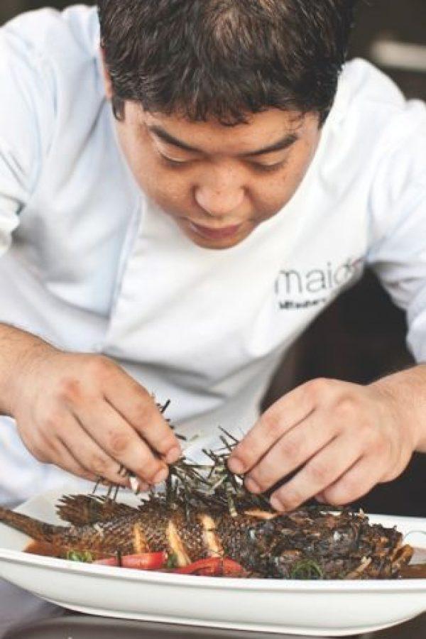 Ya se ha convertido en un referente mayor de la llamada cocina nikkei. El joven Mitsuharu Tsumara, 'Micha', fusiona la tradicional cocina japonesa con toques peruanos. La fusión se logra en platos como el dashi (caldo) preparado con el selvático paiche, cuy crocante o incluso un arroz con pato verde al wok, pato confitado con sansho y salsa ankake. El Japón y el Perú unidos mágicamente en la mesa. Foto:Cortesía
