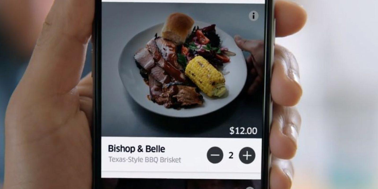 El comensal pide su comida desde la aplicación de Uber. Foto:Uber