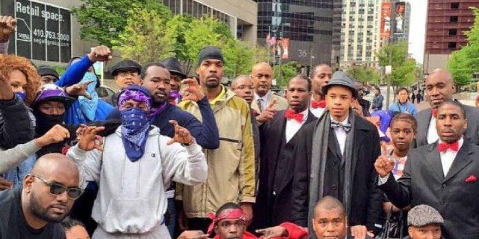 Algunas de los grupos rivales en la ciudad se unieron durante las marchas como muestra de entendimiento. Foto:Facebook.com/MillionManMarch20th