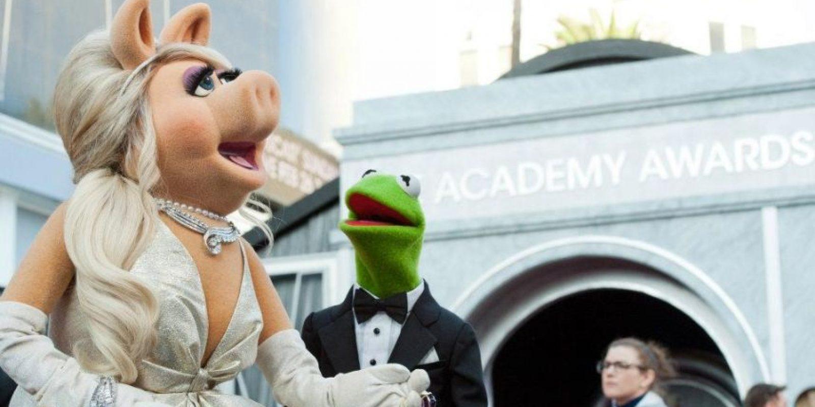 Miss Piggy es una actriz, modelo, escritora y diva Foto:Vía Facebook.com/losmuppetslatinoamerica