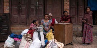 Miles de nepalíes duermen actualmente en casas de campaña o carpas ubicadas en las calles de Katmandú, la capital de Nepal. De hecho, el Gobierno nepalí hizo un llamado a las organizaciones sin fines de lucro, ya que necesitan aproximadamente medio millón de estos implementos para ubicar a los damnificados. Foto:Getty Images