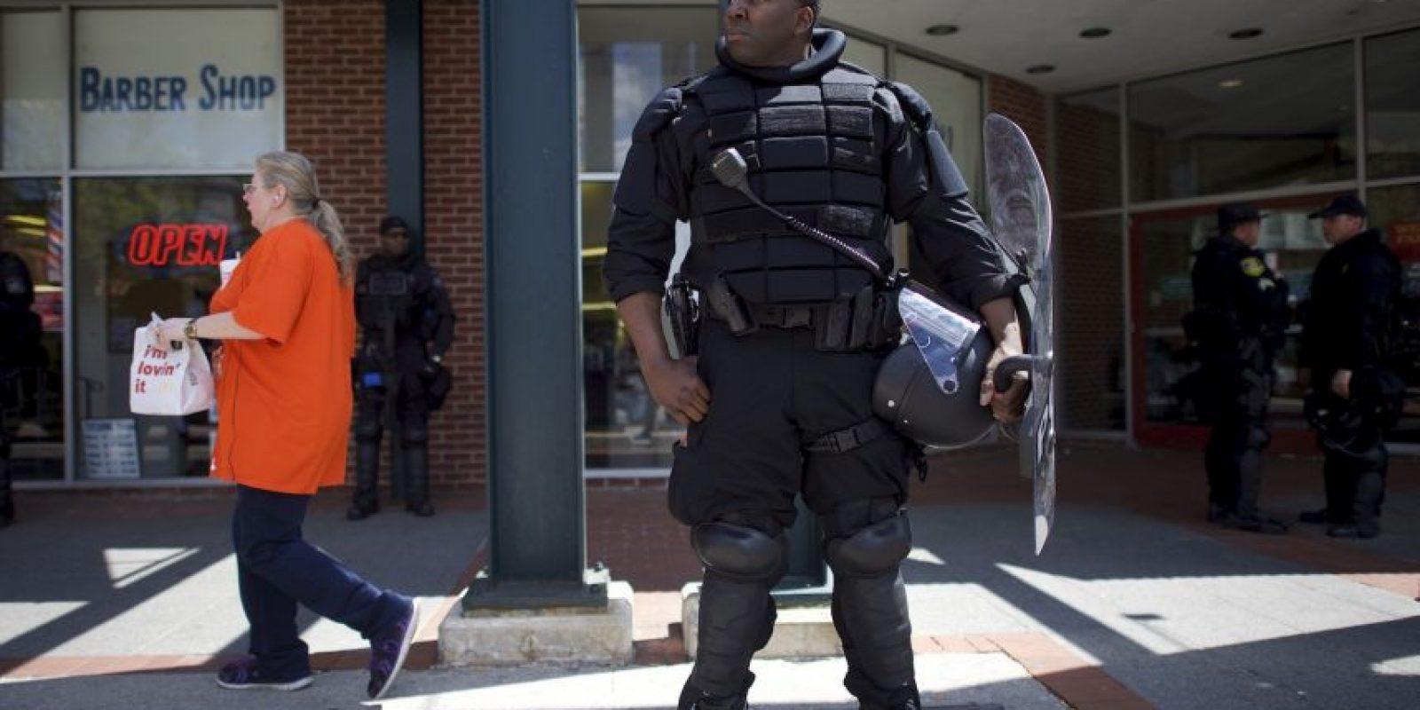 Agentes de la policía siguen presentes en las calles de la ciudad Foto:Getty Images