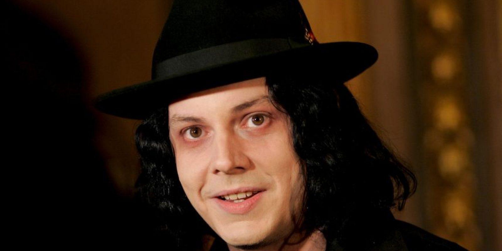 """16. Jack tocó el bajo en la canción """"Go It Alone"""" del álbum """"Güero"""" de Beck. Este álbum alcanzó la segunda posición en las listas de Billboard. Foto:Getty Images"""
