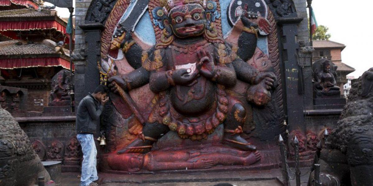 Esto creen los budistas y los hindúes del terremoto que estremeció a Nepal