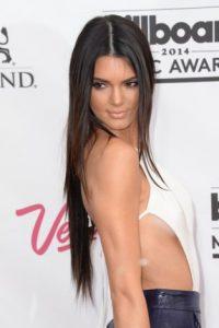 """El """"sideboob"""". Un vistazo del seno desde un costado del vestido. Foto:vía Getty Images"""