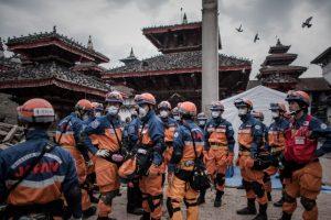 9. 39 de los 75 distritos del país fueron afectados por el terremoto. Foto:AFP