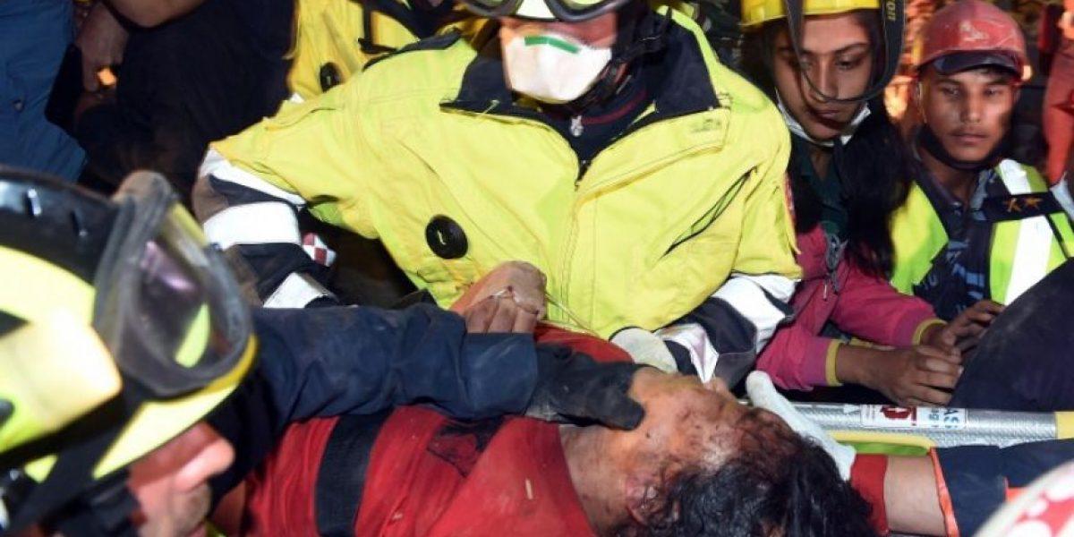 ¿Cuánto tiempo puede resistir una persona bajo el derrumbe de un sismo?