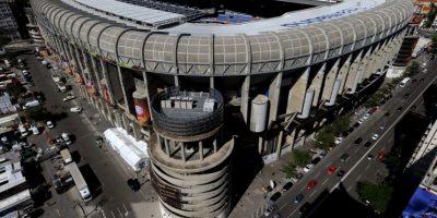 Con los 7 mil 500 dólares que cuesta ver a Mayweather y Pacquiao se podrían comprar tres abonos completos en la Zona Tribuna Lateral Este del Santiago Bernabéu, casa del Real Madrid. Estos tienen un precio de de 2 mil 298 euros (2 mil 553 dólares) e incluyen partidos locales y de Champions League. Foto:Getty Images