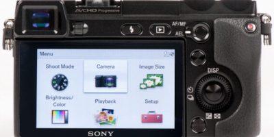 Esta pequeña cámara fotográfica cerró el 2014 por encima de otros modelos de empresas consagradas en el ámbito de la fotografía como Canon o Nikon. El precio de la Sony Alpha 7 va de los mil 300 a los mil 800 dólares. Foto:Getty Images