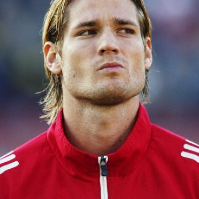 También en 2004, el futbolista húngaro Milos Fehler perdió la vida durante un partido del Benfica, su equipo. Foto:Getty Images