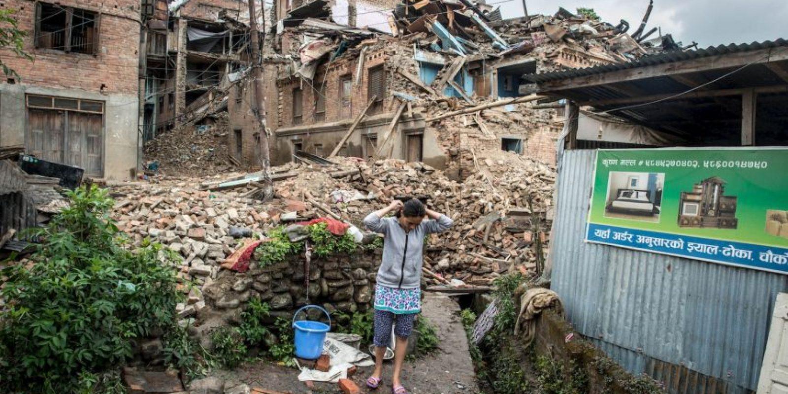 9. Las labores de rescate para las personas bajo los escombros han durado horas. Foto:Getty Images