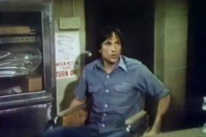"""El actor David Ackroyd interpretó al hombre debajo de la armadura, el """"Dr. Nicholas Conrad"""". Foto:YouTube"""