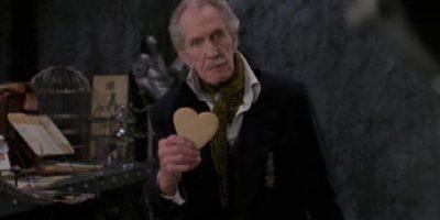 """Vincent Price era """"El Inventor"""", creador de """"Edward"""". Muere antes de darle sus manos humanas. Foto:vía 20th Century Fox"""