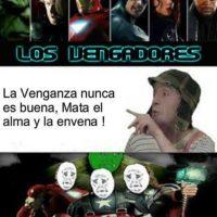 """""""El Chavo"""" dando consejos. Foto:vía Desmotivaciones"""