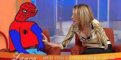 """""""Spiderman"""" no lo soportó y fue con la señorita Laura a contar su caso."""