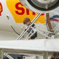 Valentino Martin desciende del avión en Sydney Foto:Grosby Group