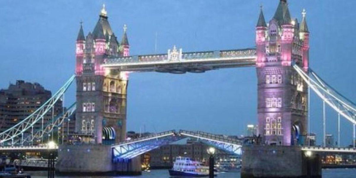 FOTOS: Londres se ilumina de rosa por nacimiento de la bebé real