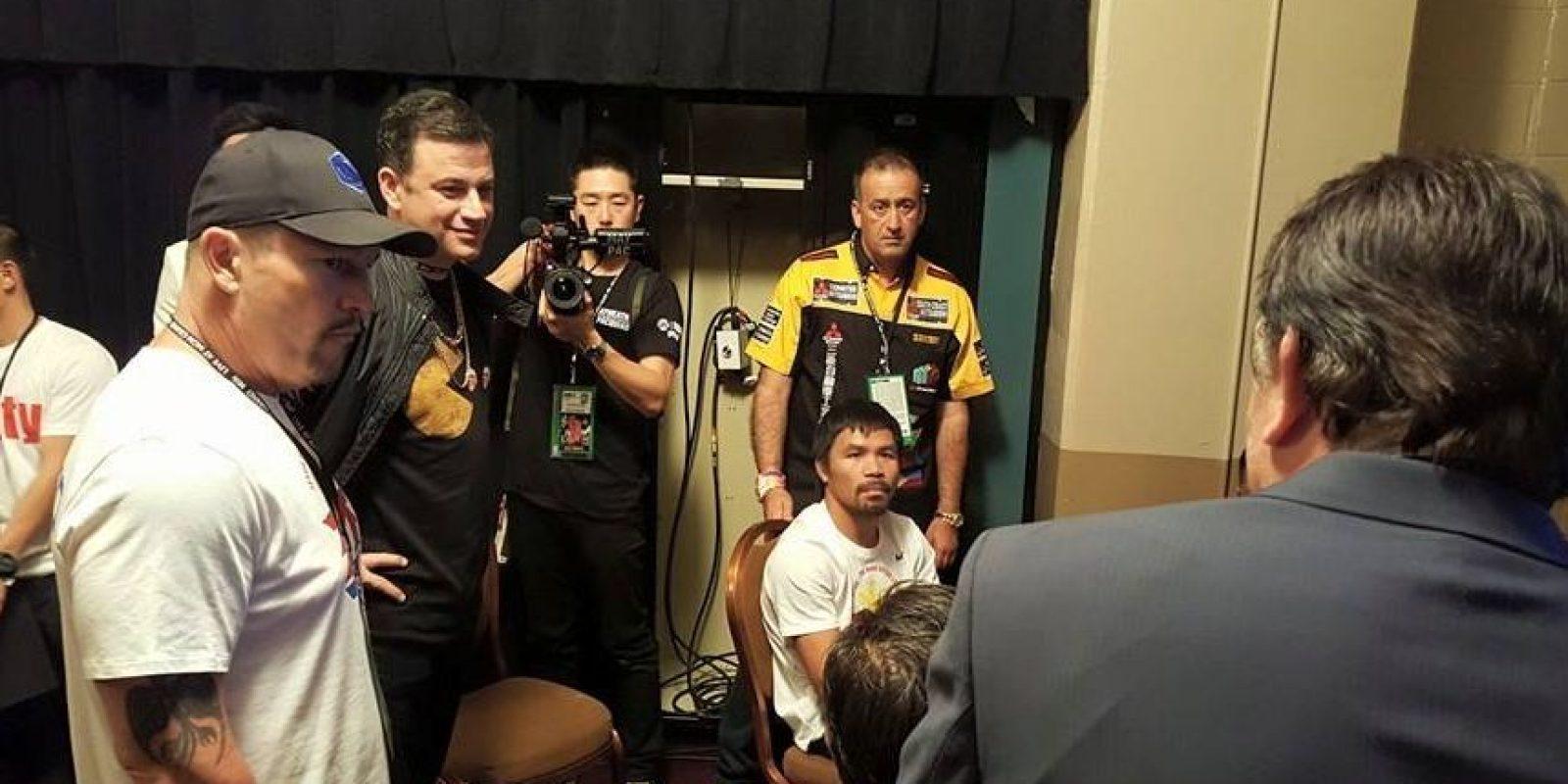 Manny, minutos antes de subir al ring. Foto:Vía facebook.com/TopRankMannyPacquiao