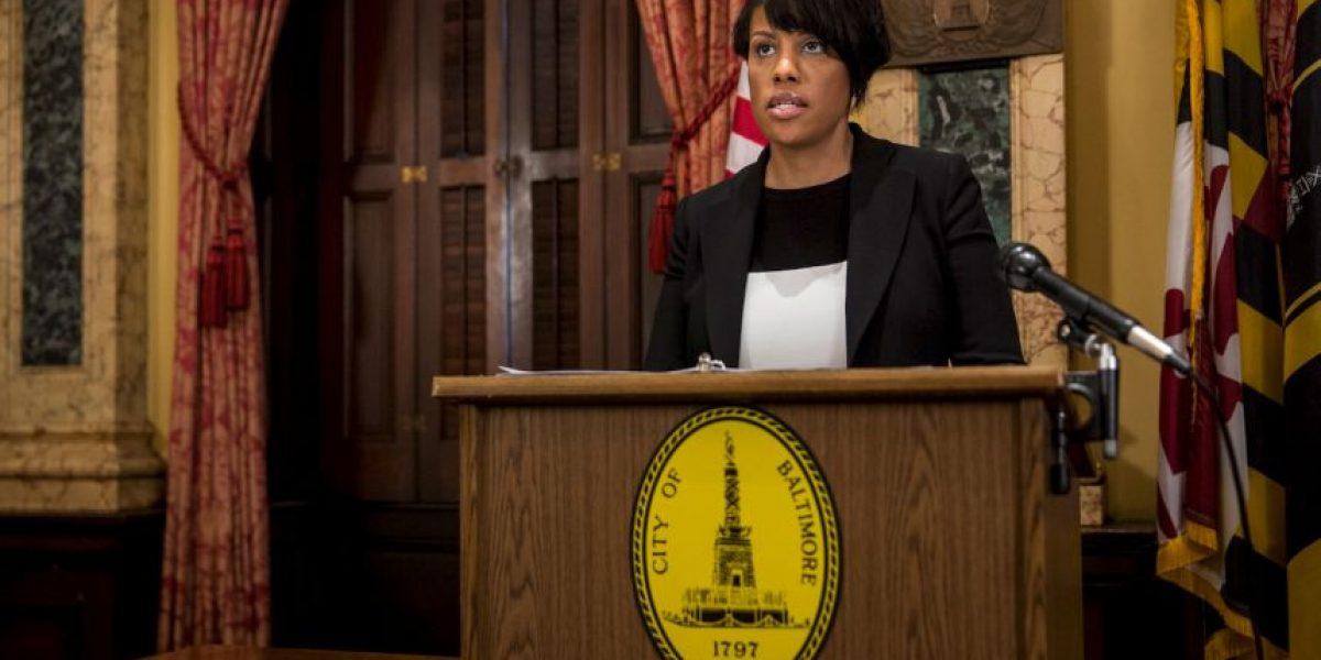 Alcaldesa de Baltimore levanta el toque de queda