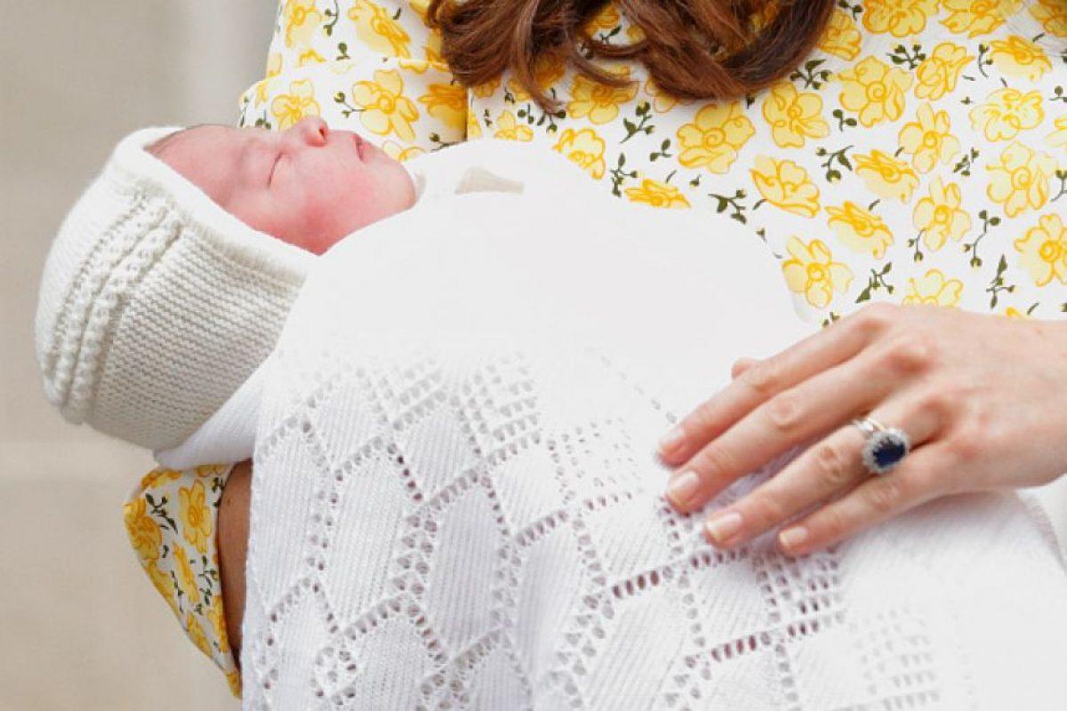 La bebé real es la primera mujer de la Casa Windsor en nacer desde 1990, año en que nació la princesa Eugenia de York. Foto:Getty Images