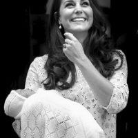 La bebé real es hija de los duques de Cambridge, el príncipe Guillermo y Catalina, su esposa. Foto:Getty Images