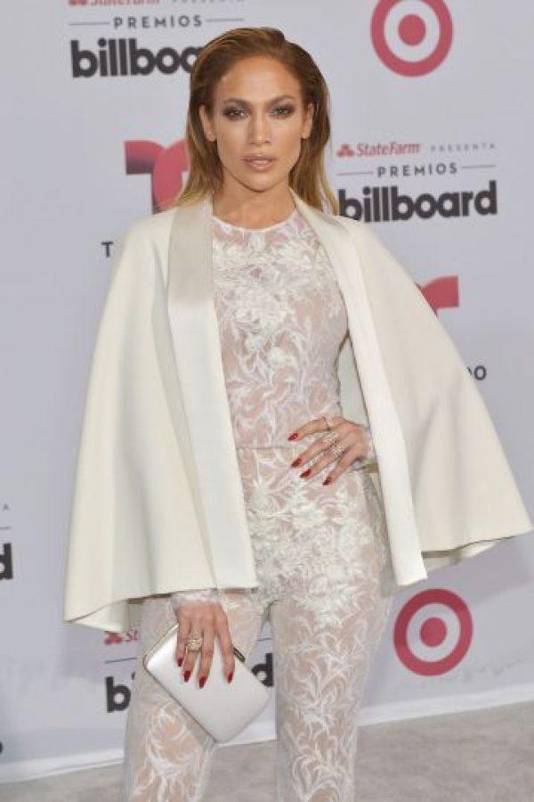 Jennifer López rindió tributo a la fallecida Selena Quintanilla interpretando sus éxitos. Foto:Getty Images