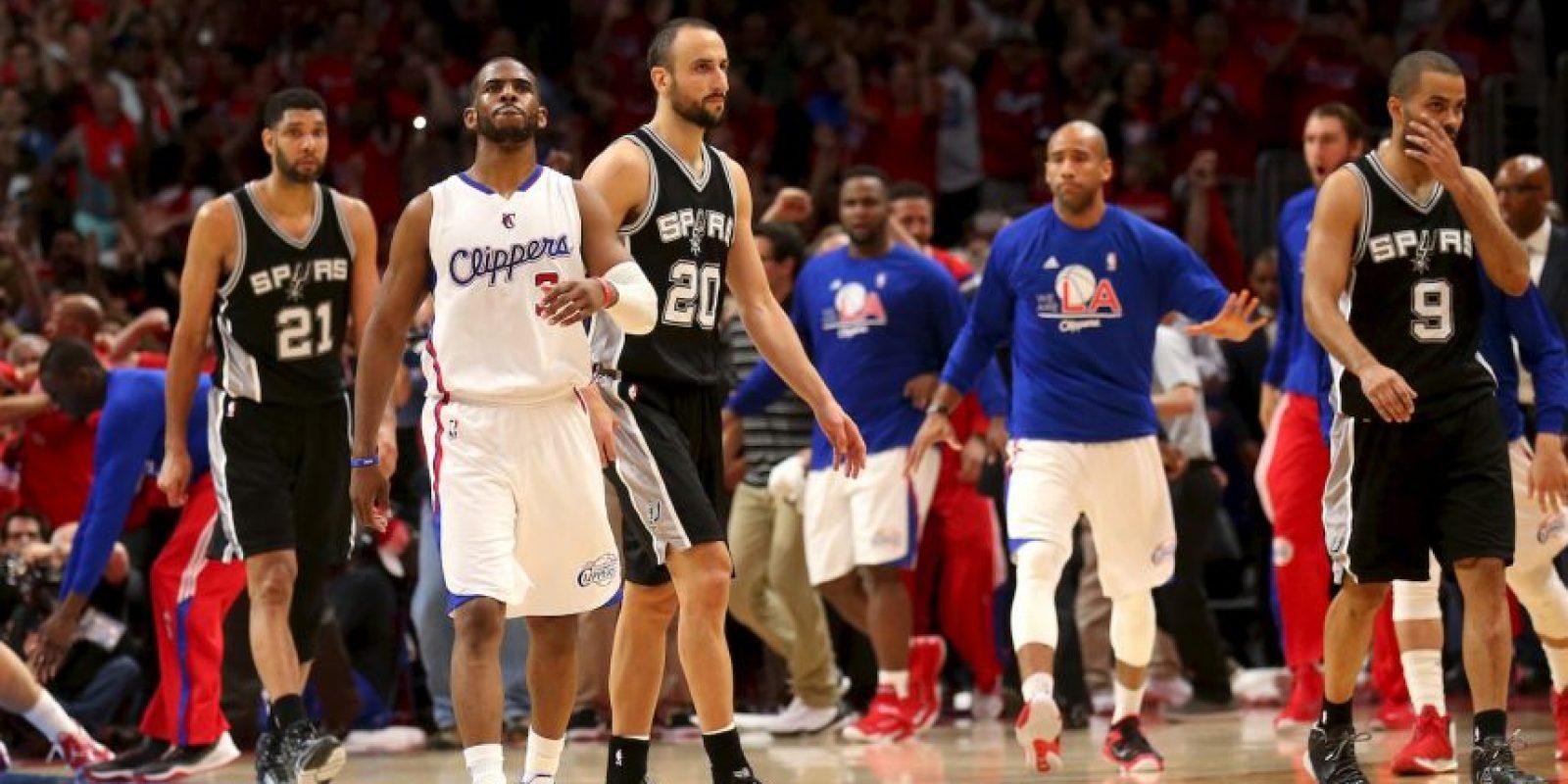 Chris Paul marcó la canasta que eliminó a los Spurs Foto:Getty Images
